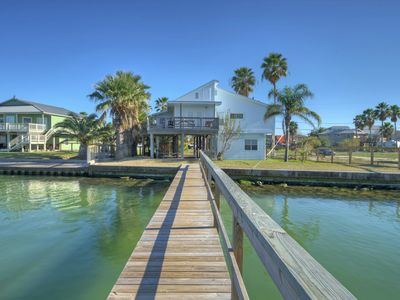 Photo for Underwater Fish Light, Lighted Private Pier, Home on Bay
