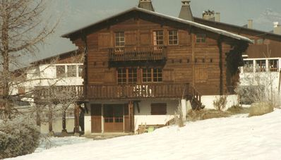Photo for Pretty Savoyard wooden chalet, 5mn village center, south facing terrace