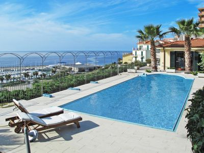 Photo for 2 bedroom Apartment, sleeps 7 in Cavi with Pool and WiFi