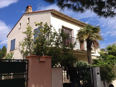 Photo for 3mn walk from the spacious T4 Beach, 3 bedrooms in villa with large garden