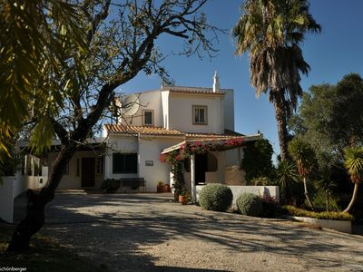 Photo for Lovely 3 bedroom villa with private swimming pool close to Portimão