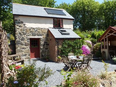 Photo for Beautiful barn, 5 minutes walk to the sea, on the Lizard Peninsula