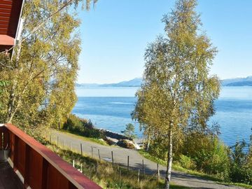 Vacation home Nord-heggdal  in Midsund, Northern Fjord Norway - 10 persons, 5 bedrooms