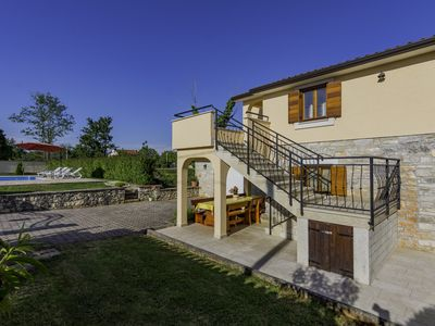 Photo for Villa with 4 rooms, for 10 people, pool, big yard