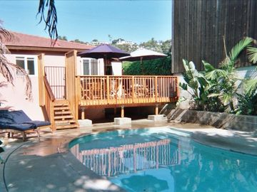 Historic Old Town District  Studio , Pool, Cabana/W PARKING ! Pets Welcome