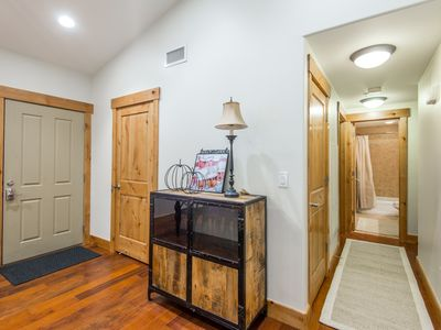 Photo for New listing!  Tastefully Updated Bear Hollow Penthouse Condo
