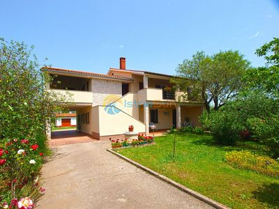 Photo for Apartment 1253/23396 (Istria - Valbandon), Budget accommodation, 900m from the beach