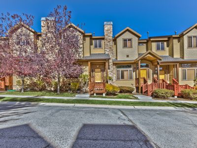 Photo for Prime Park City Family Townhome-Clubhouse Amenities, Private Hot Tub. Close to Shops, Dining, Resort