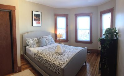 Photo for 3/1 Cozy Condo Near Subway, Coffee Shops & Grocery 3S