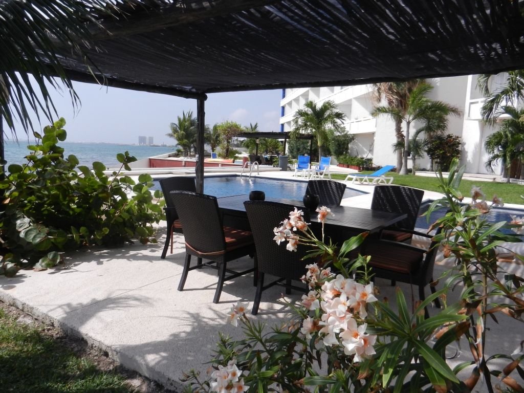 Tranquil and Affordable in the Caribbean!!!!