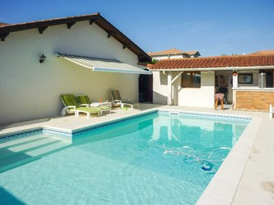 Photo for Charming villa with swimming pool situated in Anglet near the Biarritz golf