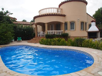 Photo for Beautiful villa with private pool in L'Ametlla de Mar