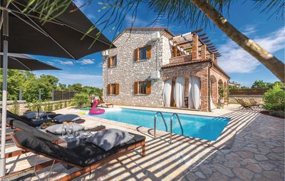 Photo for 4 bedroom accommodation in Cabrunici