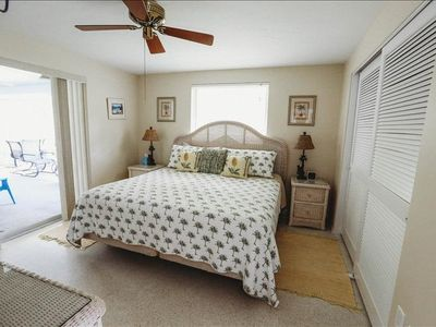 Photo for HOLMES BEACH PRIVATE 2/2 PET FRIENDLY HOME WALKING DISTANCE TO THE BEACH