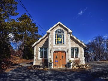 Phenomenal Halifax Ns Ca Vacation Rentals Houses More Homeaway Home Interior And Landscaping Ymoonbapapsignezvosmurscom