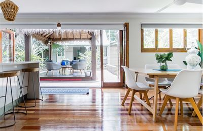 Photo for Inner city sanctuary :  kangaroo point,  5 br,3.5 baths,2 kits , parkings