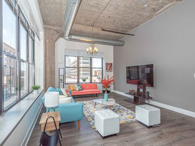 Photo for Modern 3/2 in Chicago Downtown Corner Apartment