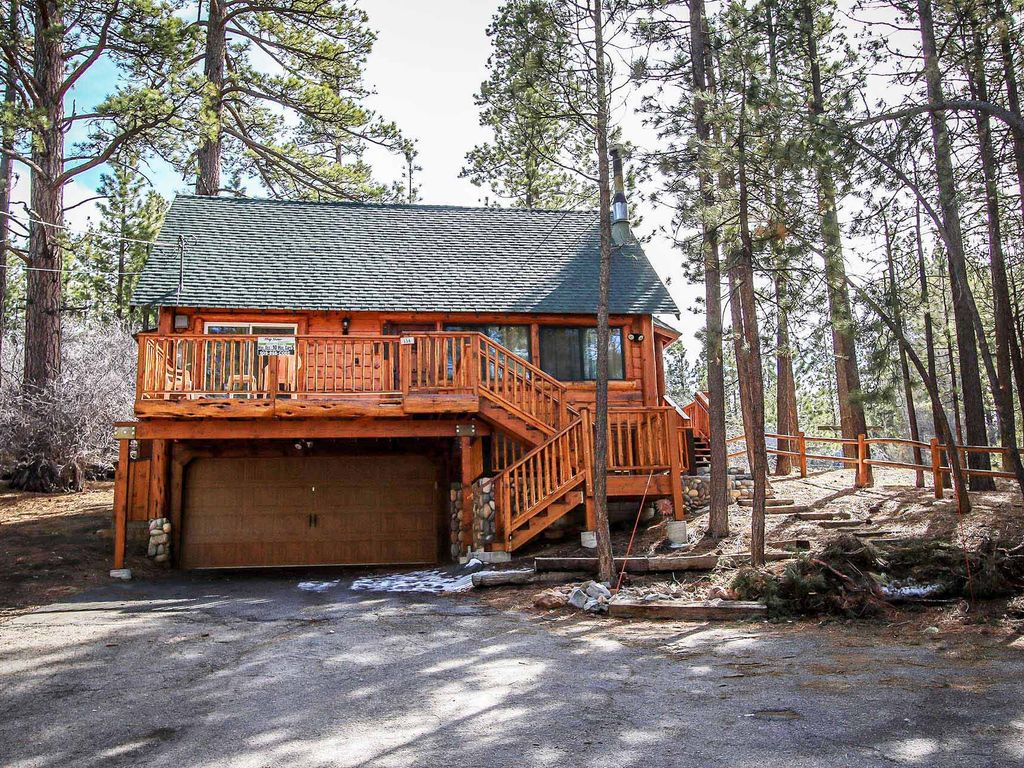 Living log cabin 3 bedroom log cabin retreat big bear for Usmc big bear cabins