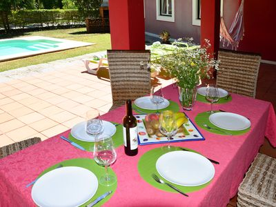 Photo for Villa with swimming pool, located in Aroeira golf resort, 2 km away to the beach