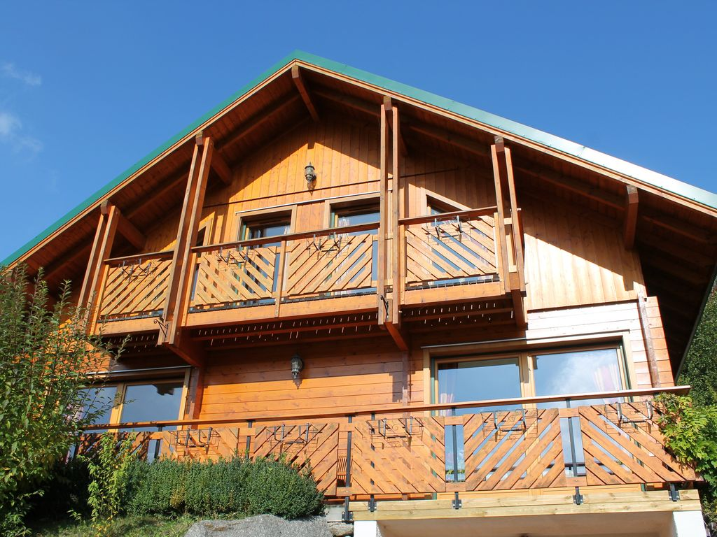 Chalet 10 pers 4 bedrooms sauna jacuzzi billiard all for Construction chalet vosges tarif