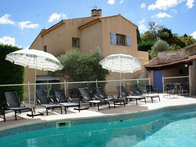 Photo for Holiday cottage with pool between Marseille and Aix en Provence