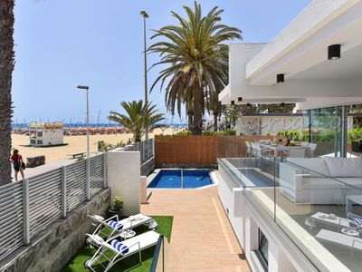 Photo for 4 bedroom Villa, sleeps 8 in Meloneras with Pool, Air Con and WiFi