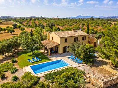 Photo for Finca with covered barbecue area, table tennis and private pool