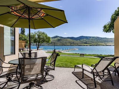 Photo for Lovely lakeside condo with views, access to shared hot tub and pools!