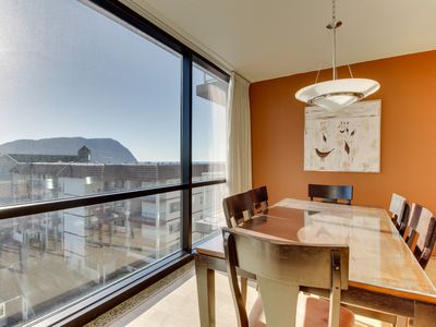 Photo for Bright fifth-floor condo with shared pool & beach access