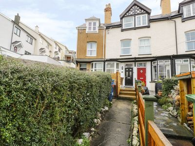 Photo for 2 FRON HEULOG, pet friendly, with a garden in Aberdovey, Ref 942427