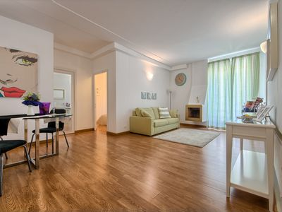 Photo for Elegant apartment just a few steps from Piazza Navona