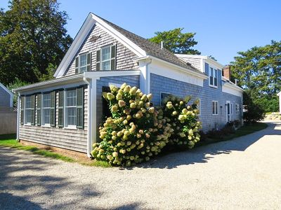 Charming house located in the heart of downtown Chatham!