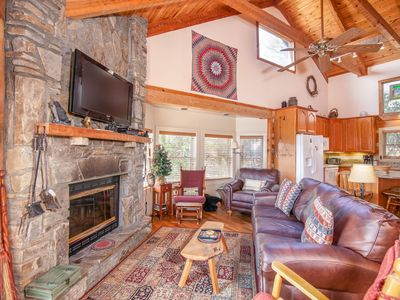 Photo for 4BR Cabin, Views of Grandfather Mtn, Pool Table, Leather, Granite, Central to Attractions