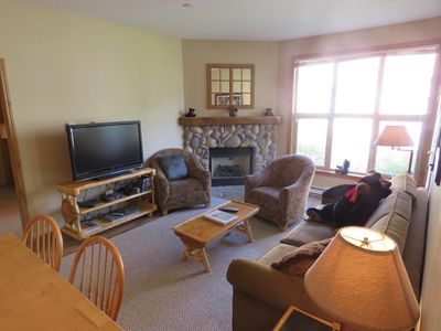 Photo for Ground floor 2 bedroom condo with easy access to ski runs