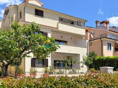 Photo for Apartment 1979/26911 (Istria - Rovinj), Family holiday, 800m from the beach