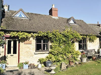 Photo for 2 bedroom property in Chipping Norton.