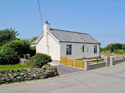 Photo for 3 bedroom property in Tudweiliog.