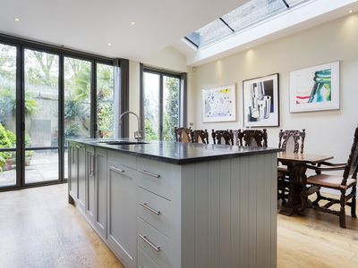 Photo for A charmingly grand Notting Hill townhouse, perfect for large groups (Veeve)