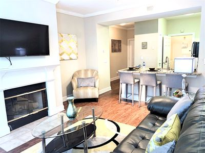 Gold Luxe- Private, Free WiFi, Free Parking, Great City View & Opened Pool