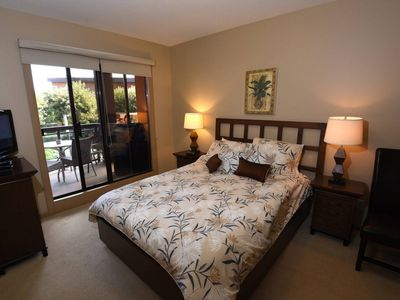 Photo for 1 Bed 2 Baths plus Den Courtyard View