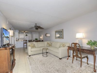 Photo for Pet Friendly Winter Retreat With Heated Pool Near Shopping and Restaurants