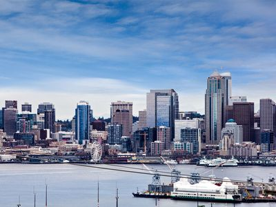 Flawless City And Mountians Views in West Seattle 5 minutes to Alki