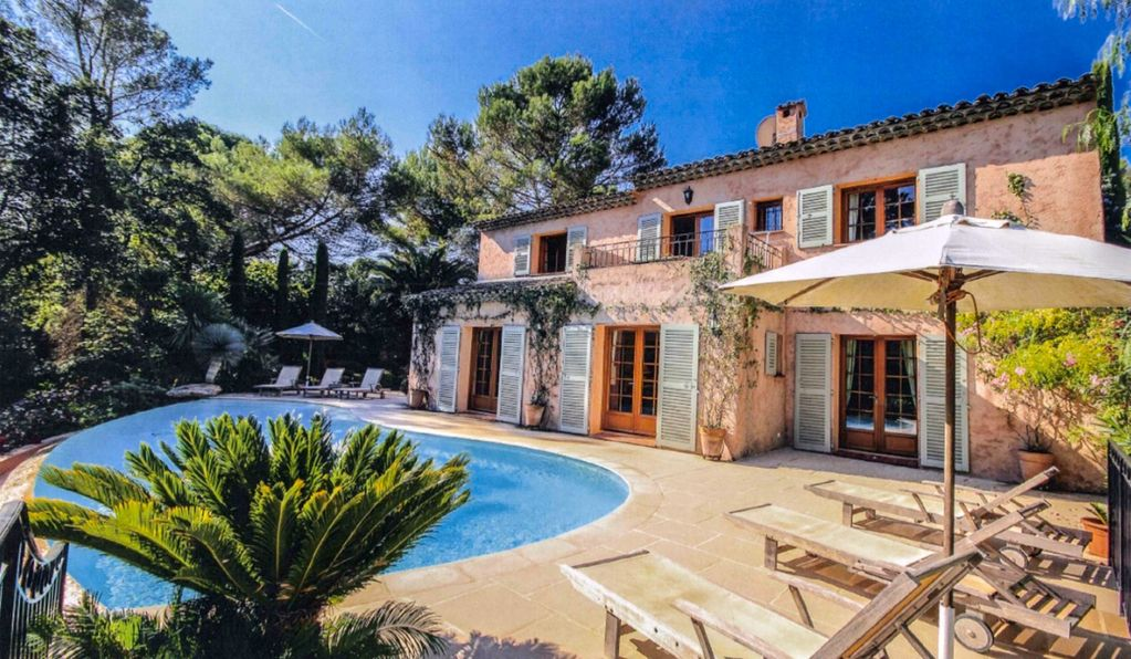 French Riviera Luxury Villa W Infinity Pool Garden WiFi AC In Exclusive Area