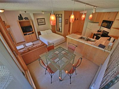 Photo for Comfy ski-in/ski-out condo with balcony, fantastic amenities, and indoor parking