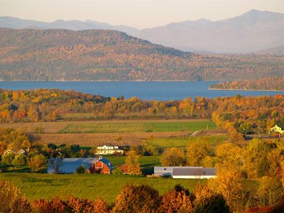 Photo for Right Wing - Mt. Philo Inn, 3 beds, complete kitchen, lake views, park