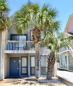 Photo for Quiet 2-Bed Townhouse Just Across from the Gulf