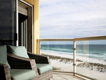 Visit Emerald Isle on Pensacola Beach