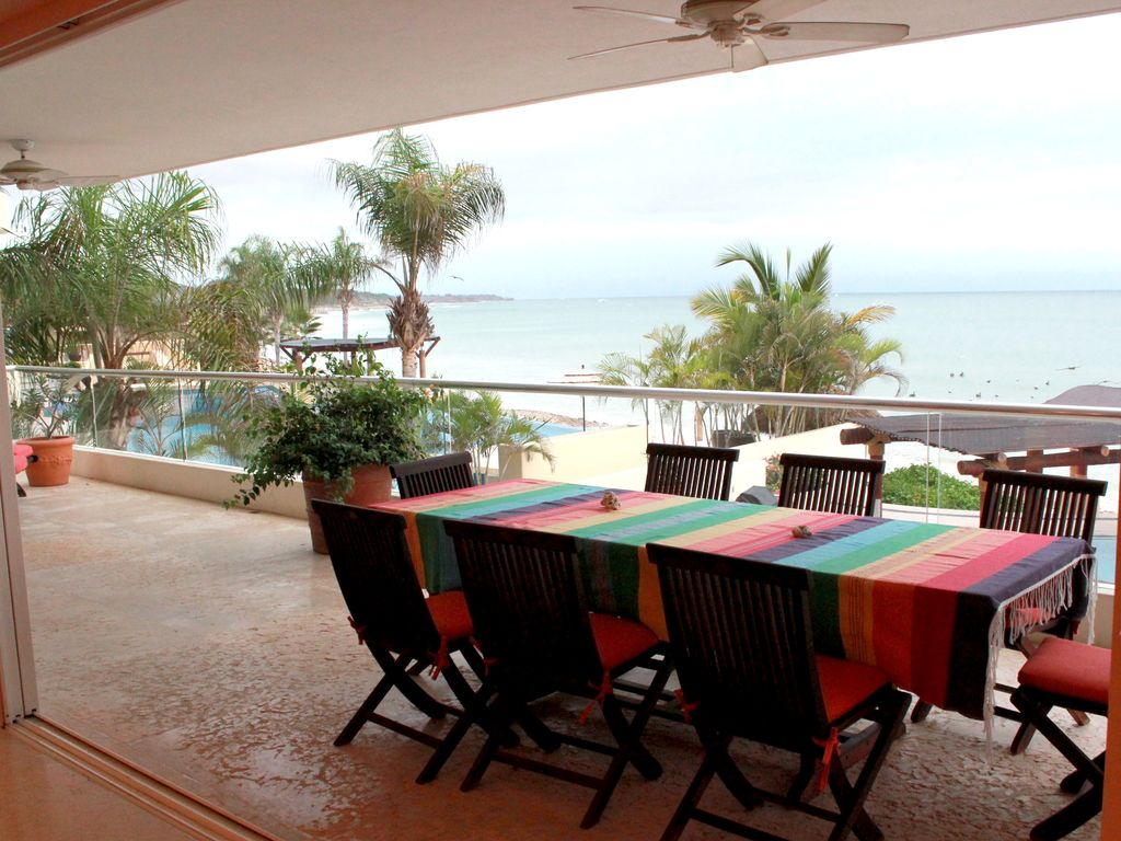 Best value luxury beach front condo emiliano zapata for Best value luxury hotels