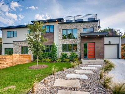 Photo for Mountain Modern BRAND NEW 3 bed 3.5 Bath Home with two ROOFTOP decks!