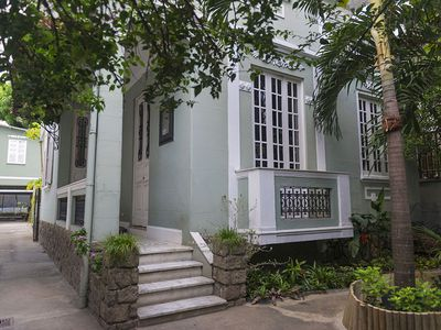 Photo for Renovated 1920 6 bedroom (3 with veranda) house with spacious backyard